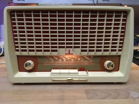 Das Radio sieht wieder deutlich besser aus