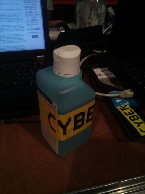 Sterilium Flasche mit Cyber Aufkleber
